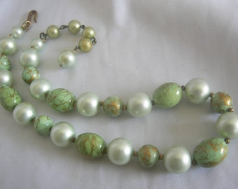 Single Strand Beaded Necklace | Green Gold Splatter Beads Faux Pearls | Vintage