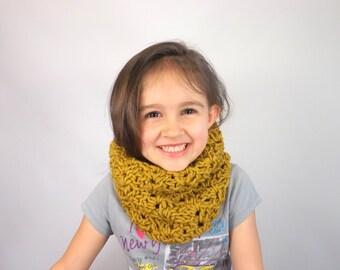 Crochet Girls Lace Cowl /HONEY/, Girls Scarf Neckwarmer, Gift Idea