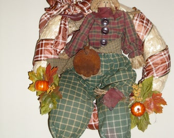 "16"" Primitive scarecrow wreath-straw/handmade with fall decorations"