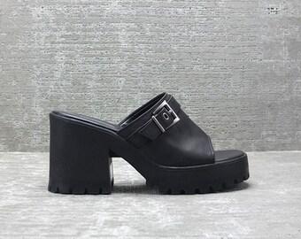 Vtg 90s Black Vegan Pleather Chunky Heel  Cut Out Mule Sandal 8