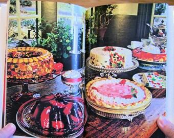 The New Joys of Jell-o Gelatin Dessert Recipe Book, 1975