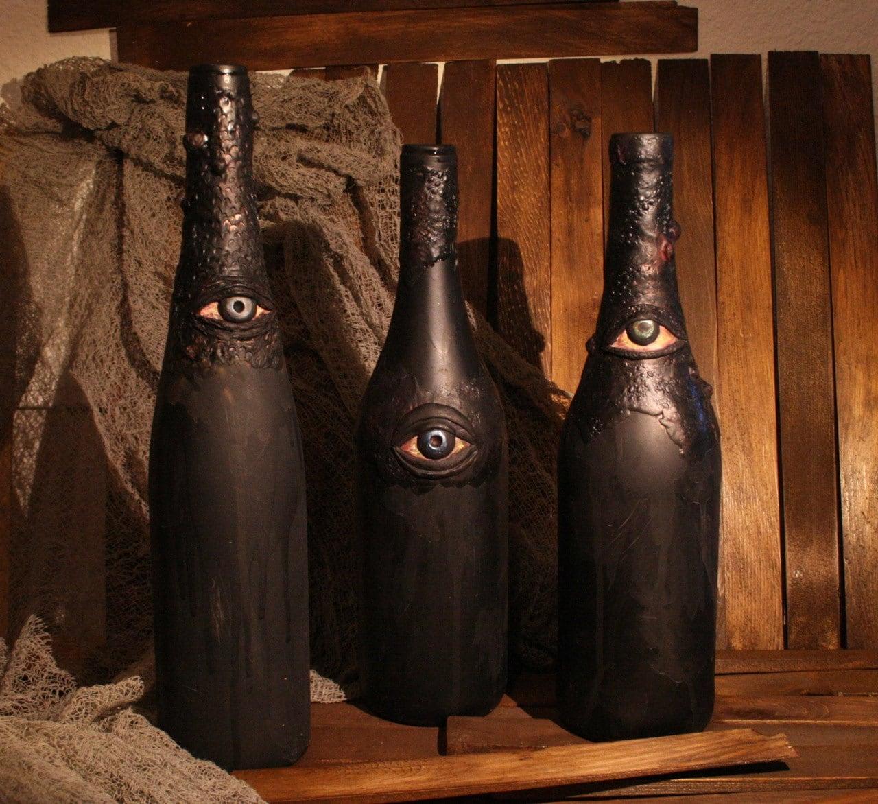 Ghoulish Halloween Bottle With Eye