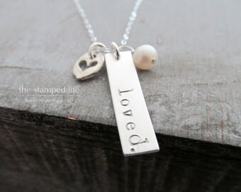 Bar Charm Name Necklace With Pearl and Heart Charm