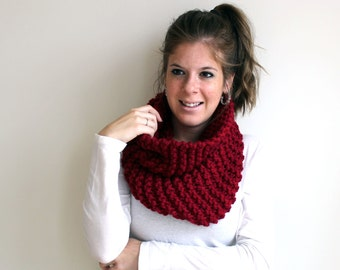 Sample SALE Scarf Cowl Knit Chunky Cranberry- Sotterley Cowl