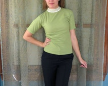 1960s Green Mock Turtleneck Top Short Sleeve T-Shirt 60s Tee Lime Green Top Contrast Collar Preppy 60s Top Hipster Beatnik