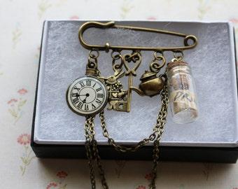 Alice in Wonderland Brooch, Alice in Wonderland Jewelry, steampunk jewelry, fantasy jewelry, steampunk brooch, charm brooch, clock brooch