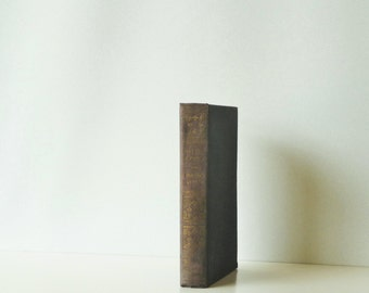 Vintage Hardcover Book - The Last Days of Pompeii by Sir Edward Bulwer-Lytton - Decor Book Free Gift Wrapping