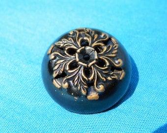 LG Vintage  Metal Button