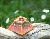 Mini CARNELIAN Orgone Pyramid - Feng Shui Decor and Spiritual Gift - Balance and Meditation - Sacral Chakra Healing