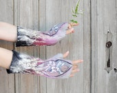Hand felted mittens in shadows of gray and pink, decorated with beautiful silk fabric, wool curls and silk fibers. OOAK