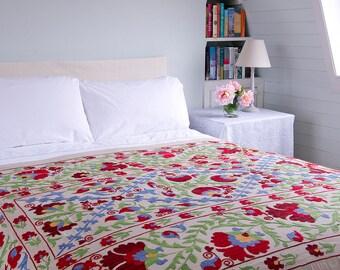 Suzani 3 - 145cm x 230cm - Vintage Textile - Hand embroidered