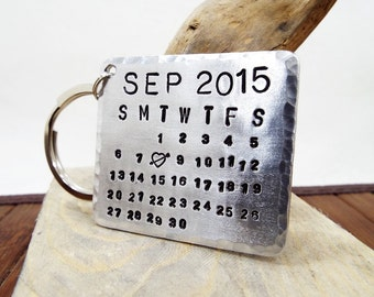 Aluminum Personalized Calendar Keychain - Mark the date gift - Hand Stamped Calendar - Your message on the back - Perfect Anniversary Gift