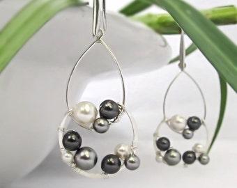 Grey pearl earrings Pearl bridesmaid earrings Grey bridesmaids jewelry Pearl chandelier earrings Modern pearl jewelry Pearl hoop earrings