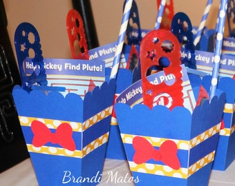 Donald Duck Favor Boxes!  Set of 8 Donald Duck favor boxes, party decor, birthday party, Mickey Mouse Clubhouse, party supplies!!!