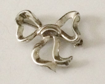 Sterling Silver Lang Bow Brooch