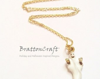 Happy White Ghost Necklace - Fun Halloween Necklace - Gold Ghost Necklace - Gold Ghost Jewelry - Halloween Jewelry - Samhain - Epsteam