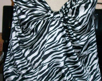 Womens Victoria's Secret Zebra Striped Gown Chemise Negligee Medium