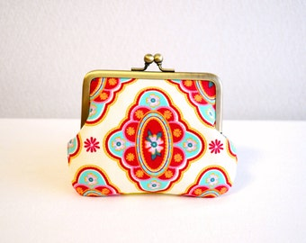 Scandi folk floral coin purse - white and red. Frame purse. Clasp purse.