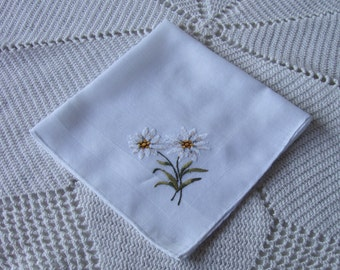 VINTAGE Floral Embroidered Hanky / white flower / wildflowers