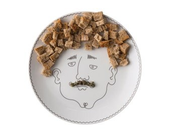 Service de Famille: Le Père - a porcelain  illustrated plate - create his haircut with food