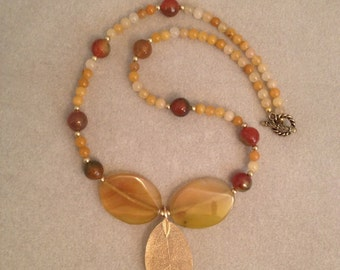 Agate with Gold Leaf and Quartz Beads Necklace