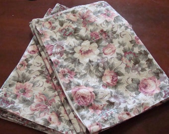 Two Vintage Cabbage Roses/Shabby Chic/Valances