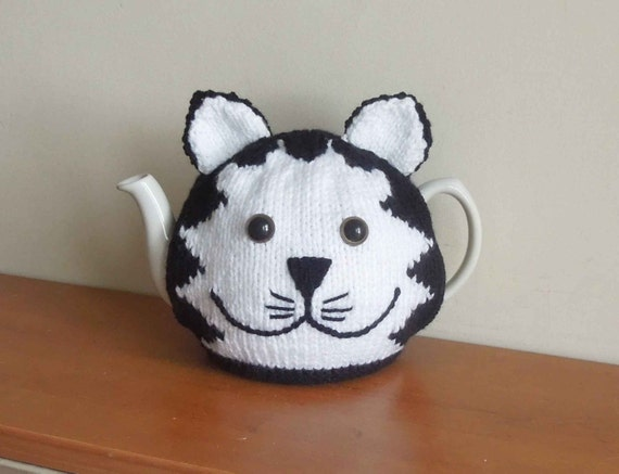 Free Patterns For Loom Knitting : Hand made cat knitted tea cosy mog for your teapot. Fits 2