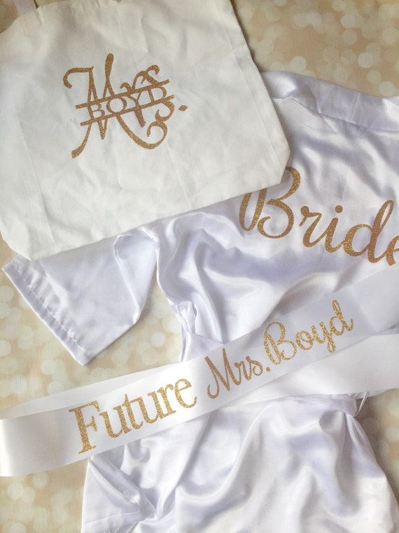 Bridal Shower Gift Set - 5 Piece Set - Bride to Be Personalized Gift Pack - Gold and White - Glitter Set