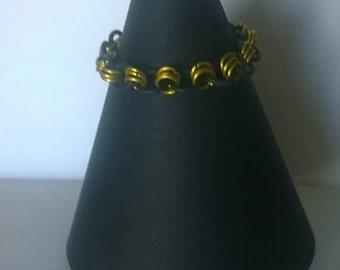Jump ring stretchy bracelet