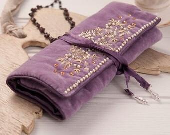 Decorative Velvet Jewelry Roll