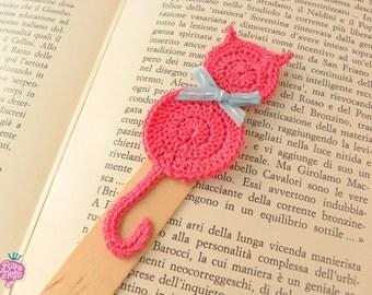 Crochet bookmark - Pink cat
