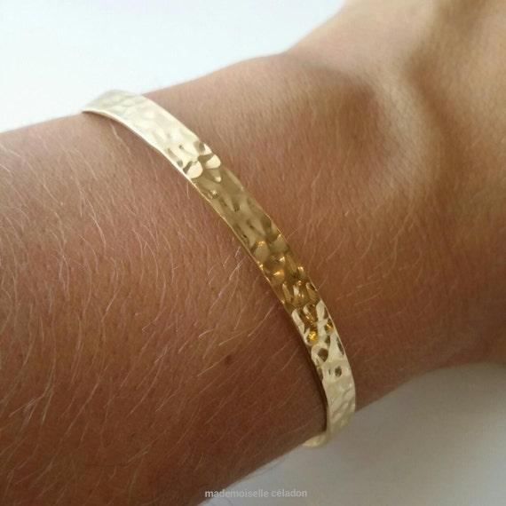 bracelet jonc plaqu or 18 carats bracelet rigide motif. Black Bedroom Furniture Sets. Home Design Ideas