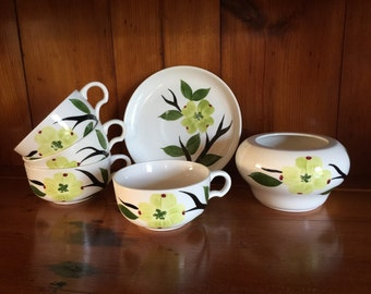 Vintage Dixie Dogwood by Joni