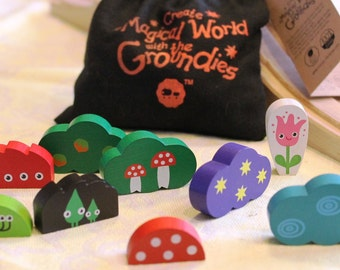 Set of 9 wooden figures from the world of the Groundies!