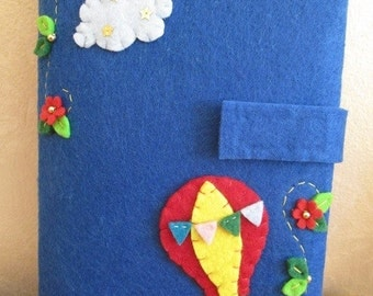 Felt Kindle case with Hot Air Balloon  - Felt case for ereader - Gift for Bookworms -
