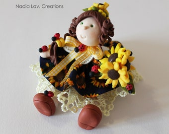 Doll with Sunflower skirt in corn pasta