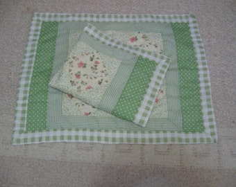 Vintage Set of 2 Patchwork Quilted Pillow Shams, Vintage Green & White Standard Size Pillow Shams