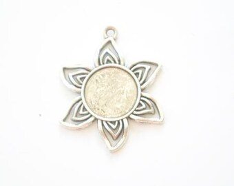 Pendant or charm holder cabochon flower antique silver metal