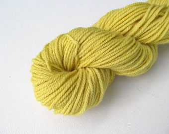 Naturally Dyed US Yarn Goldenrod: Worsted Weight, 140 yards