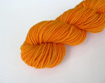 Naturally Dyed US Yarn Tickseed Sunflower: Worsted Weight, 138 yards