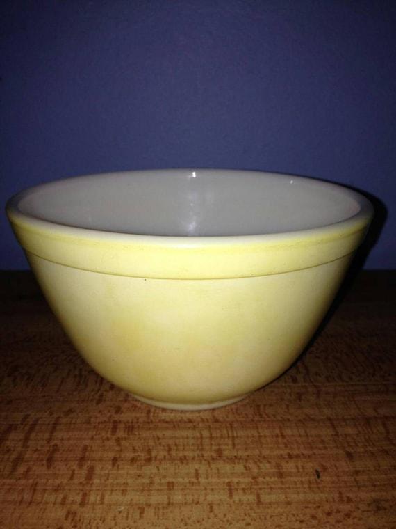 Vintage Pyrex Primary Yellow Mixing Bowl 401