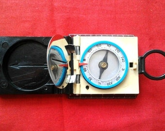 "Vintage Soviet Tourist  Compass ""Tourist 2"" / Made in USSR, 1970s"