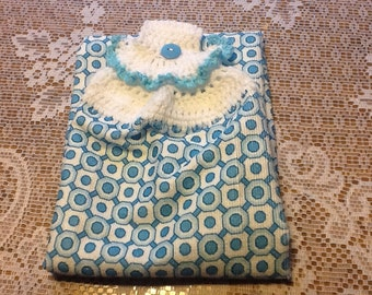 Bath/kitchen towel with crocheted topper