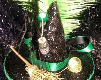 """Wizard of Oz Wicked Witch Mini Hat Halloween """"I'm Melting"""" Crystal Ball Witches Broom"""