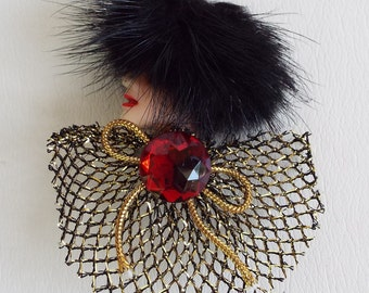Vintage Society Lady with Mink Hat Brooch