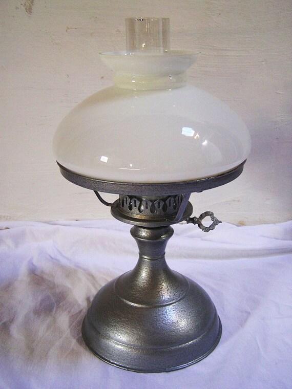 70er jahre petroleum lampe messing glasschirme. Black Bedroom Furniture Sets. Home Design Ideas