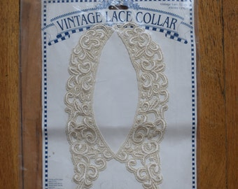 Vintage Lace Collar. Unopened package. Rayon & Cotton