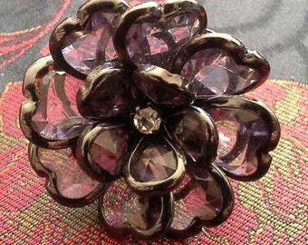 Stretchy blossom ring