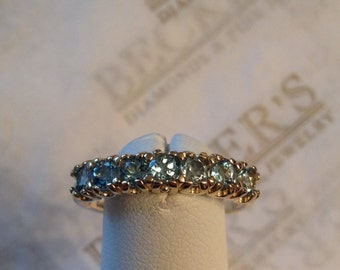 Beautiful vintage 10k yellow gold Round Blue Topaz Band Ring, app. 1.05 ctw