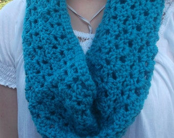 Teal simply relaxed cowl